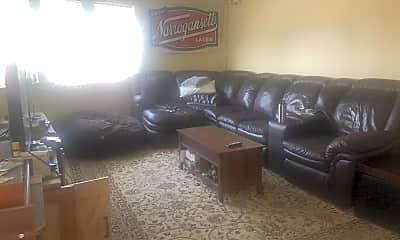 Living Room, 403 Dorchester St, 2