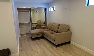 Living Room, 483 Washington Blvd, 1