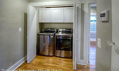 Kitchen, 720 E 8th St, 2