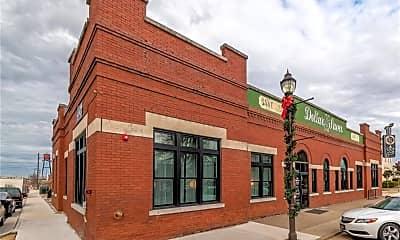 Building, 101 E Walnut St 214, 1