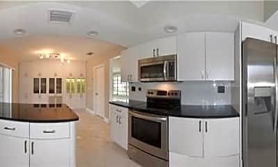 Kitchen, 5750 Bayview Dr, 1