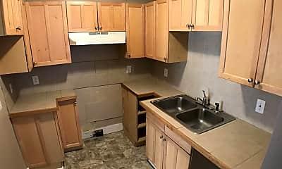 Kitchen, 1421 Meadow Ln, 2