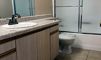 Bathroom, 934 N Cedar St, 2