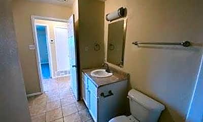 Bathroom, 104 Cedar Ave, 2