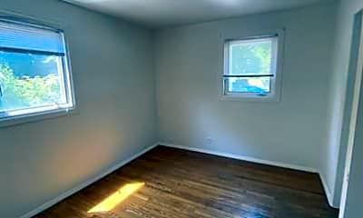 Bedroom, 311 S Prairie St, 2
