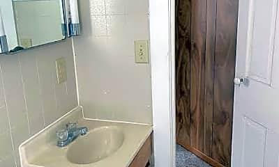 Bathroom, 968 W Main St, 2