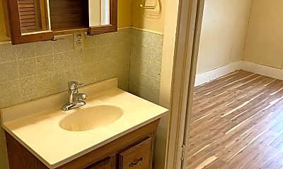 Bathroom, 317 W 7th Ave, 2