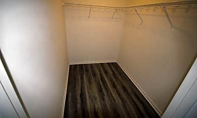 Bathroom, 805 La Fontenay Ct, 2