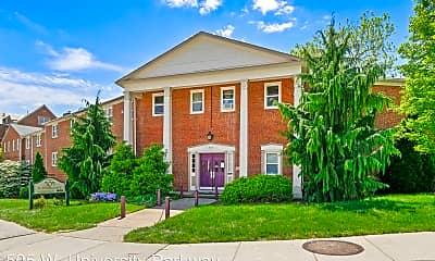 Building, 505 W University Pkwy, 0