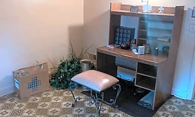 Living Room, 316 Edgewood St, 1