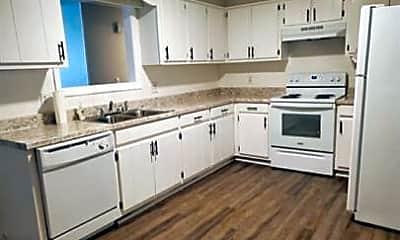 Kitchen, 556 Horse Shoe Way, 1
