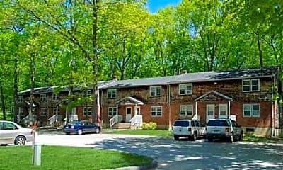 Building, Willington Oaks Apartments, 2