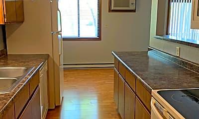 Kitchen, 111 W Lind St, 1