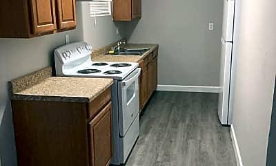 Kitchen, 15 Linda Ln, 1