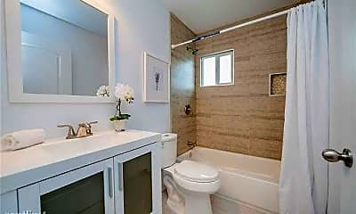 Bathroom, 120 N Rowan Ave, 2