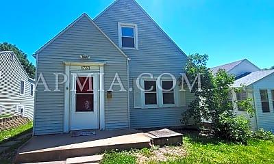Building, 1733 K Ave NE, 2