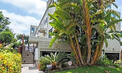 Building, 3675 Keystone Av 4, 1