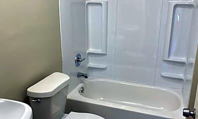 Bathroom, 715 W 6th St, 1
