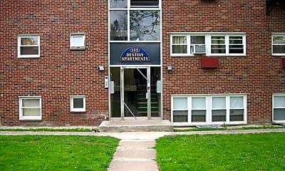 Building, 152 S Munn Ave, 1