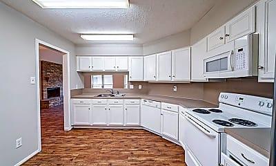Kitchen, 20130 Chipplegate Ln, 1