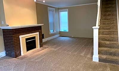 Living Room, 344 Harris St, 1