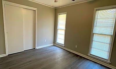 Bedroom, 325 Geary Dr, 2