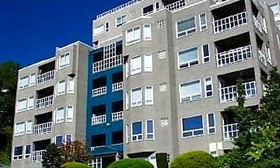 Building, 420 Melrose Ave E, 1