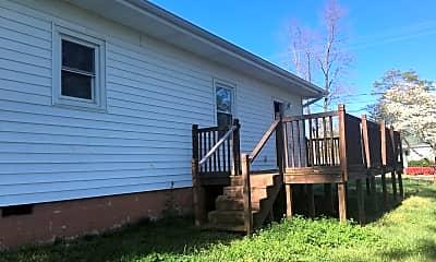 Building, 301 Lowe St, 2