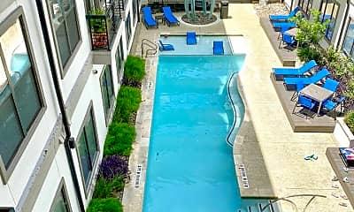 Pool, 127 E Riverside Dr, 1