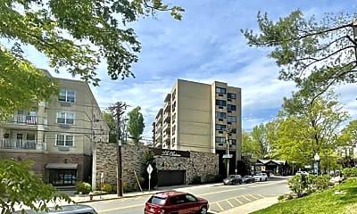 Building, 555 Gorge Rd 6E, 0