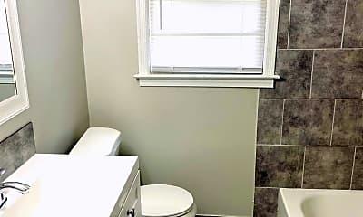 Bathroom, 4420 Sunnybrook Dr, 2