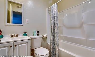 Bathroom, 405 Grand Canyon Blvd, 2