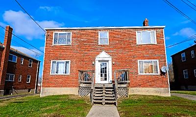 Building, 632 Maple Dr, 0