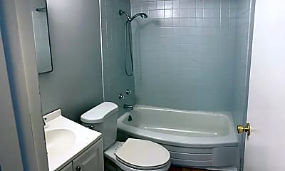 Bathroom, 1105 2nd Ave, 2