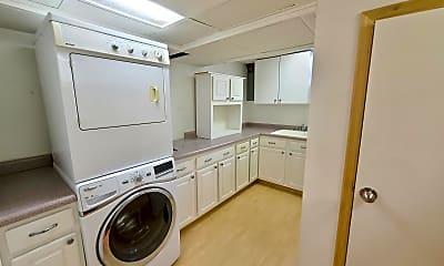 Kitchen, 1103 1st St NW, 2
