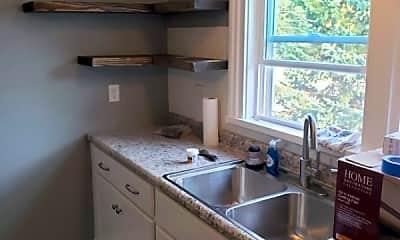 Kitchen, 4700 Kent Rd, 1