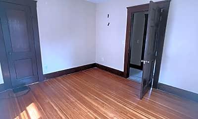 Living Room, 107 Maple Ave, 2