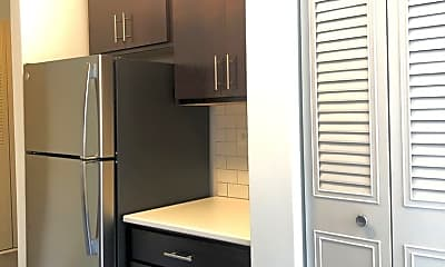 Kitchen, 5958 N KENMORE AVE, 1