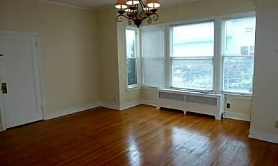 Living Room, 504 5th St, 1