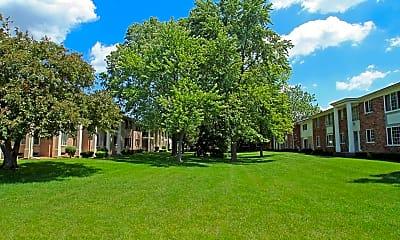 Kendallwood Apartments, 1