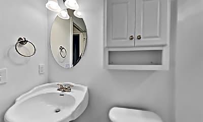 Bathroom, 2804 W El Campo Grande Avenue, 2