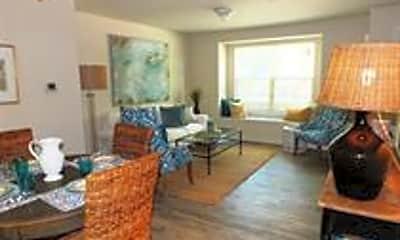 Living Room, 3900 Cloverlane Dr, 1