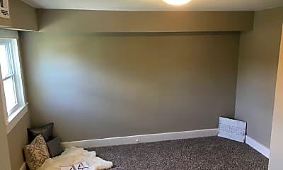 Bedroom, 1402 E Lincoln Ave, 1