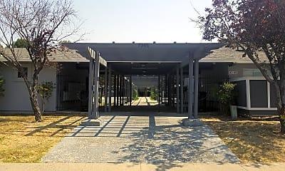 Laura Dawn Manor, 1