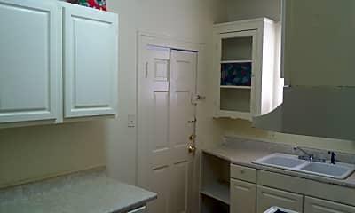 Bathroom, 250 Belden Ave, 2