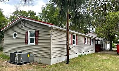 Building, 2597 Pinecrest Dr, 1