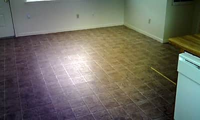 Living Room, 402 1st St, 2