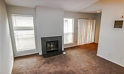 Living Room, 6633 W Airport Blvd 1208, 1