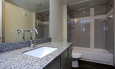 Bathroom, 1921 S Akard St, 0
