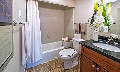 Bathroom, Lerner Arrowood Parc, 2